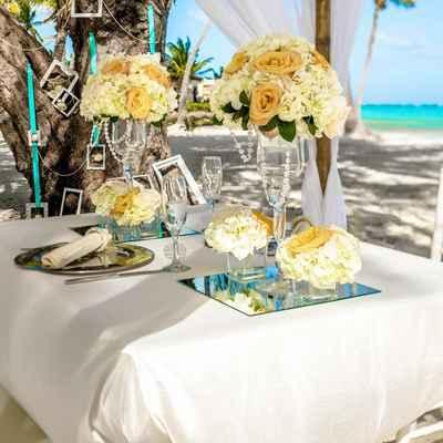 Beach blue wedding reception decor