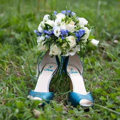 Blue friezes wedding bouquet
