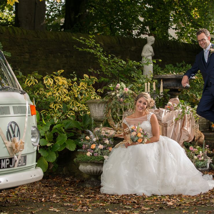 Roxy our VW Campervan loves aVintage themed Wedding.