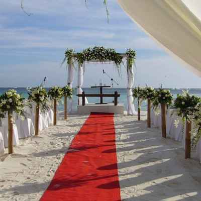 Beach white wedding ceremony decor