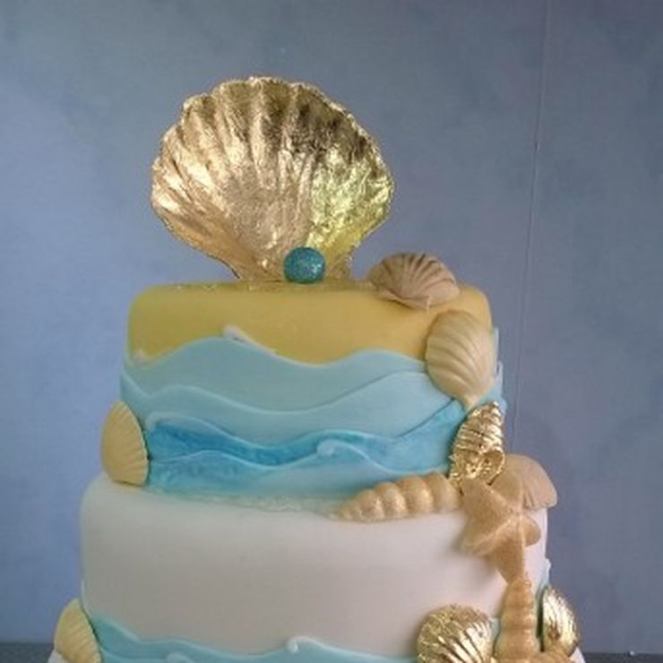Bespoke Wedding and Celebration Cakes Designed and Created Just for You