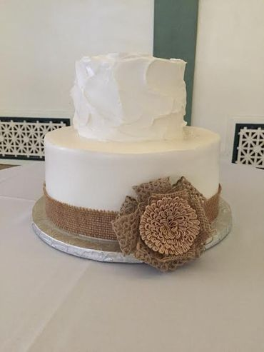 Rustic white wedding cakes