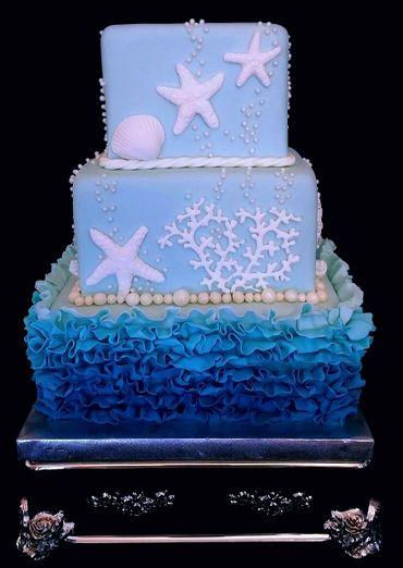 Marine white wedding cakes