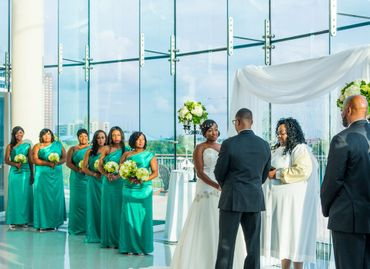 Green wedding photo session ideas