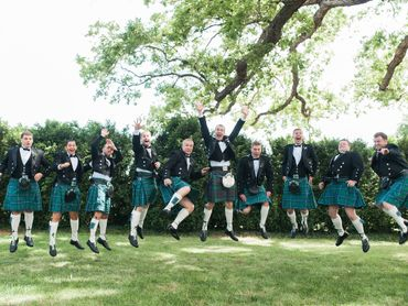 Ethnical green wedding photo session ideas
