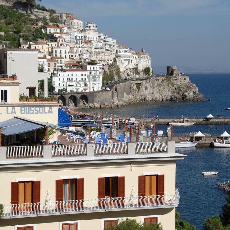 Amalfi Bussola