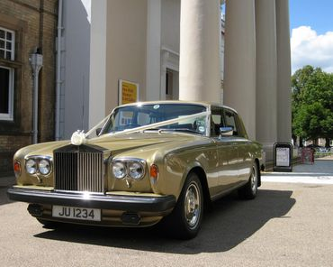 Gold wedding transport