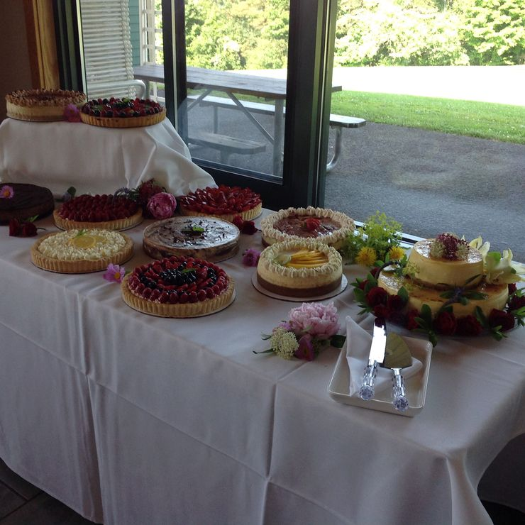Cheesecake and Tart Wedding with a Two Tiered Creme Brûlée Cheesecake