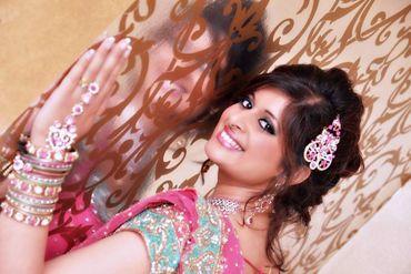 Ethnical pink wedding photo session ideas