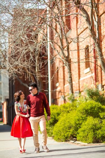 Outdoor red engagement
