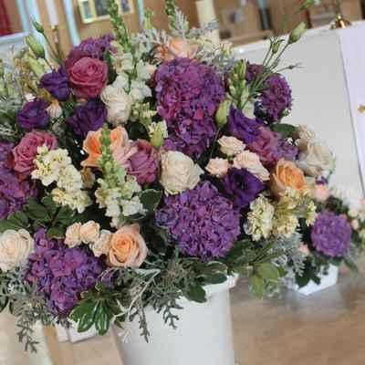 Overseas pink wedding floral decor
