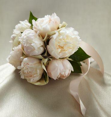 Ivory peony wedding bouquet