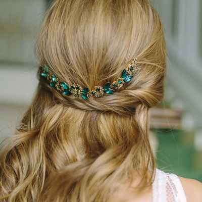 Green bridal hair and make-up