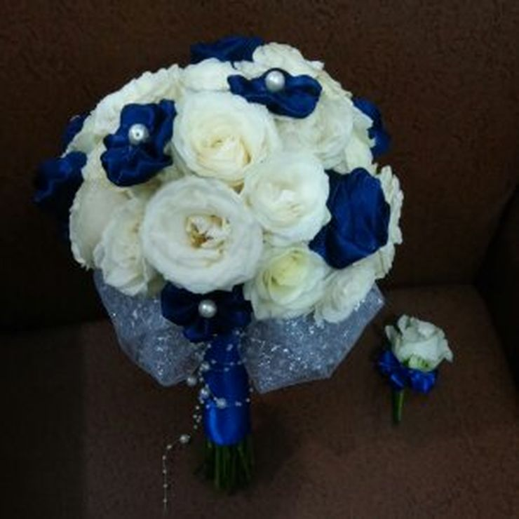 rully wedding bouquet