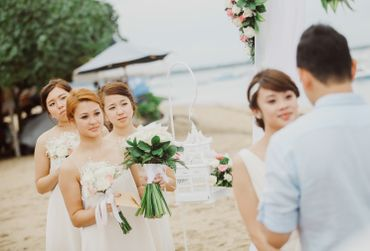 Outdoor bridesmaids