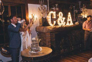 Overseas brown wedding cakes