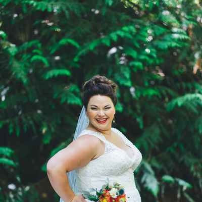 Outdoor white curvy wedding dresses