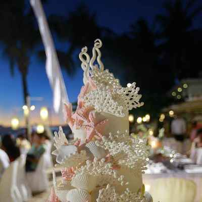 Marine ivory wedding cakes