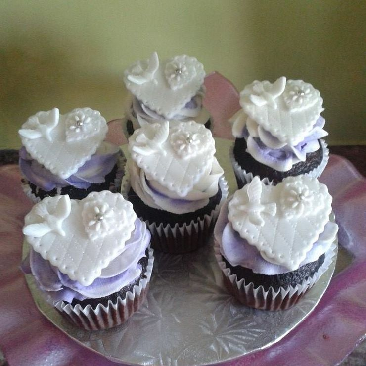 Cupcakes for a small wedding