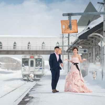 Outdoor winter pink long wedding dresses