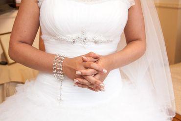 Overseas white bracelets, earrings, necklaces & other jewellery