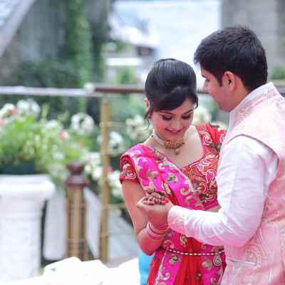 Pink ethnical wedding photo session ideas