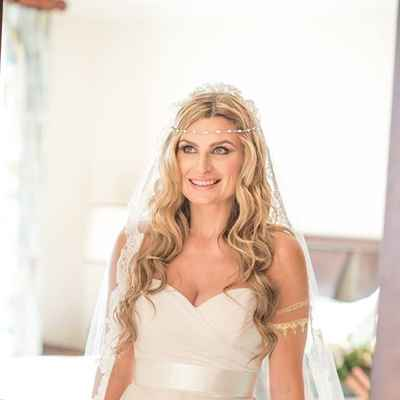 White overseas bridal hair and make-up