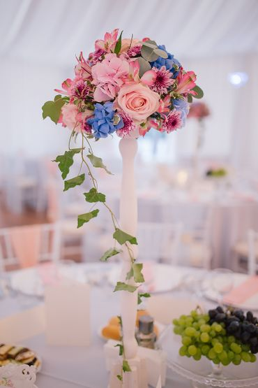 Overseas wedding floral decor