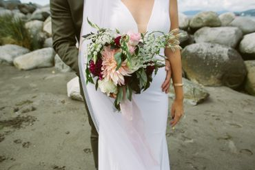 White outdoor wedding photo session ideas