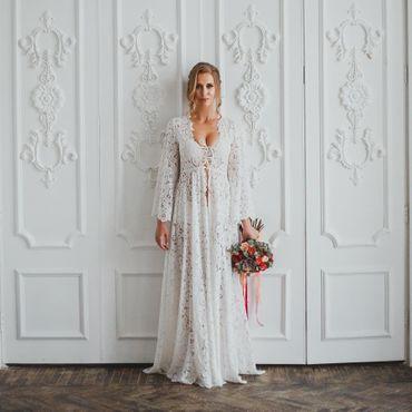White overseas wedding lingerie