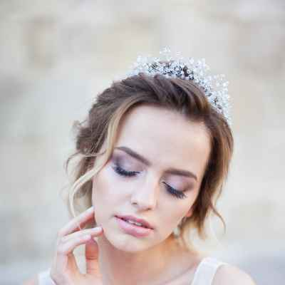 Pink bridal hair and make-up