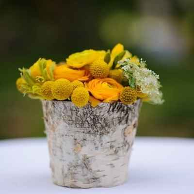 Rustic summer wedding floral decor