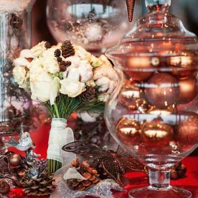 Winter brown rose wedding bouquet