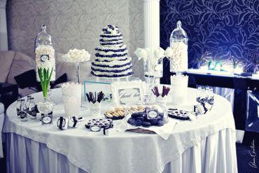 Black wedding reception decor